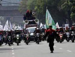 Forum Buruh Kawasan (FBK) Pulo Gadung Membuka Posko Pengaduan (THR) Bagi Buruh