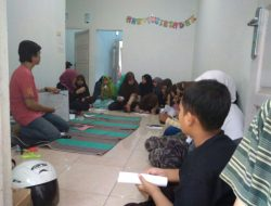 Kelompok KKN Gembira Adakan Less Bahasa di Tangerang