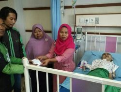 Para Ojek Online Galang Dana Guna Bantuan Andriyansyah Penderita Hidrosefalus