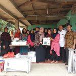 Pengentasan Pengangguran Dengan Program TKM Mandiri, Kementerian Ketenagakerjaan RI Bersama Siti Masrifah Bagikan Peralatan Mesin Jahit