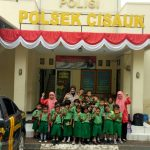 Polsek Cisauk Mendapat Kunjungan dari TK Citra Mulya