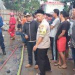 Kebakaran dua gudang di Pamulang di duga Kosleting Listrik