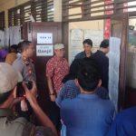 Kapolsek Cisauk, Danramil Serpong Bersama Camat Setu Melaksanakan Monitoring dan Pengecekan TPS
