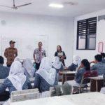 Lurah Larut Imbau Siswa SMAN 12 Kota Tangerang Tak Usah Ikut Demo