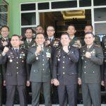 Polres Tangsel Mengunjungi dan Memberikan Tumpeng ke Delapan (8) Instansi/Markas Militer di Wilayah Tangerang Raya.