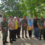 Polsek Cisauk, Danramil 03/Serpong Bersama Unsur Muspika Kecamatan Setu Berikan Bantuan Kepada Warga Korban Banjir