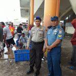 Kasatpol Air Polres Sukabumi Polda Jabar Bersama Personel Posal TNI AL Palabuhan Ratu Pimpin Pengamanan Aktifitas Nelayan