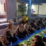 Kapolsek Pagedangan menggelar acara Silahturahmi Anggota Polsek dengan KSK juga Security dengan makan bersama nasi liwet