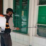 Cegah Penyebaran Covid-19, Polsek Arcamanik Polrestabes Bandung, Penyemprotan Disinfektan Di Tempat Ibadah