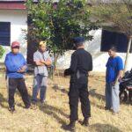 Patroli Brimob Polda Jabar Sambangi Petani Ladang untuk Mensosialisasikan Tentang Protokol Kesehatan