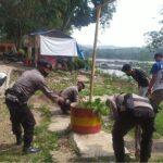 Operasi Bersih Bersama Masyrakat di Kampung Jangari, Upaya Brimob Jabar Songsong Kampung Tangguh Bersih dan Sehat