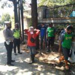 Cegah Corona, Kanit Lantas Polsek Sukasari Polrestabes Bandung, Himbauan 3M dan Membagikan Masker Kepada Warga