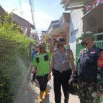 Unit Binmas Polsek Bojongloa Kaler, Penyemprotan Disinfektan, Pembagian Masker Dan Sosialisasikan 3M