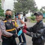 Bagikan Masker, Polsek Regol Polrestabes Bandung, Sosialisasikan 3 M