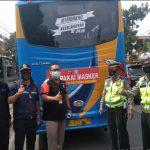 """Operasi Yustisi, Polsek Regol Polrestabes Bandung, Sosialisasi 3M 1T dan Pemasangan Stiker """"Ayo Pakai Masker"""""""