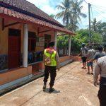 Polres Ciamis Giat Penyemprotan Disinfektan Tempat Fasilitas Umum jalan Lingkar Selatan Kec. Cijeungjing