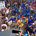Beringas, Ratusan Oknum Mahasiswa di Sukabumi Tendang dan Pukuli Polisi Saat Unras