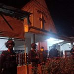 Personil Brimob Jabar Lakukan Patroli Malam Ops Lodaya di Gereja Kristen Pasundan Cianjur