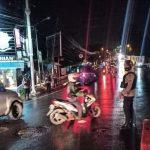 Hadir Ditengah Masyarakat, Brimob Polda Jabar Gatur Lalin Di Pos 55 Cipanas
