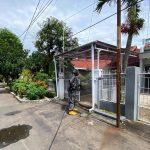 Penyemprotan Cairan Disinfektan Di Sejumlah Rumah Warga Di Kelurahan Turangga, Bandung