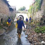 Sub 12 Sektor 22 Citarum Harum Bersihkan Sungai Cikapundung Kolot Sepanjang 200 Meter