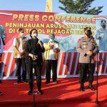Panglima TNI, Kapolri dan Ketua DPR RI Tinjau Posko Penyekatan di Gerbang Tol Pejagan Brebes