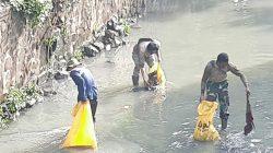 Bersama Baraya, Dansub 9 Sektor 22 Citarum Harum, Bergerak Bersihkan Sungai Cicadas, Sepanjang 250 Meter