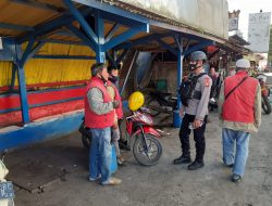 Sambangi Pangkalan Ojek, Personel Brimob Jabar Berikan Himbaun Agar Disiplin Memakai Masker