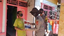 KEPeduli Warga Slum Area Terdampak PPKM Darurat Level 4, Polisi Bagikan Bantuan Beras