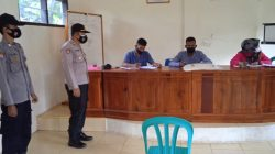 Kapolsek Cisaga Bersama Bhabinkamtibmas Desa Tanjungjaya Monitoring Penyaluran Bantuan PPKM