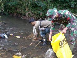 Bersihkan Sungai Cikapundung, Dansub 8 Sektor 22 Citarum Harum, Himbau Masyarakat Jaga Lingkungan