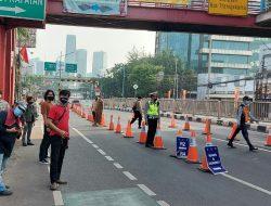 Antisipasi Demo Tolak PPKM di Jakarta, Polsek Mampang Prapatan dan Polsek Pancoran Lakukan Penyekatan