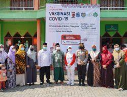 Wujudkan Ponpes Sehat, Polres Banjar Bersama Ponpes Miftahul Huda Citangkolo Gelar Vaksinasi Bagi Para Santri