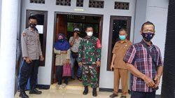 Bhabinkamtibmas Polsek Cisaga Monitoring Pendistribusian Kartu KKS di Desa Tanjungjaya