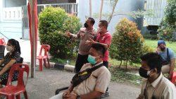 Giat Cooling System Di Wilayah Binaan, Bhabinkamtibmas Polsek Serpong Lakukan Monitoring Vaksinasi Di Perumahan Regensi Melati Mas