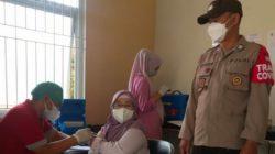 Kapolsek Lembang Monitoring Vaksinasi Covid 19 Untuk Lansia