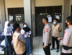 Kapolsek Rajeg Tinjau Pelaksanaan Vaksinasi Dosis 2 Di Sekolah SMK Yaspih Desa Tanjakan