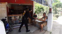 Berikan Himbauan Prokes, Brimob Jabar Sambangi Warga Jatiroke