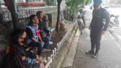 Selamatkan Diri Dari Corona, Brimob Jabar Lakukan Himbauan Kepada Warga Untuk Gunakan Masker Di Tengah Pandemi COVID 19