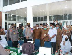 Tim Nakes Lanud SIM Laksanakan Serbuan Vaksinasi Bagi Siswa Siswi Sekabupaten Aceh Besar