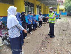 Anggota Polsek Terisi Giat Sidak Pendisiplinan Prokes Di SMPN 2