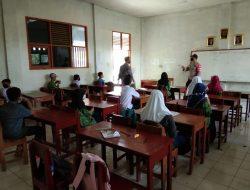 Sidak Belajar Tatap Muka Terbatas Di SMP DAN MA AL-WASTHONIYAH Anggota Polsek Cikedung
