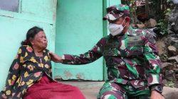 Tangis Haru, Nenek Asih Saat Diberi Paket Sembako Oleh Jenderal Bintang Dua