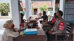 Bhabinkamtibmas Polsek Lelea Giat Silaturahmi Bersama Warga Desa Cempeh