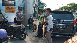 Patroli Sambang Brimob Jabar, Ingatkan Warga Untuk Selalu Pedomani Prokes Dalam Beraktifitas