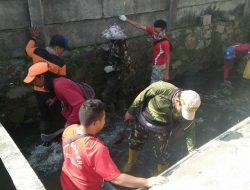 Sektor 22 Citarum Harum Sub 13, Bersihkan Anak Sungai Citeupus