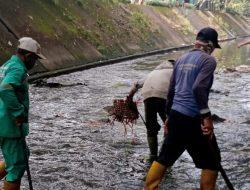 Hadapi Musim Penghujan, Sektor 22 Citarum Harum Sub 14, Bersihkan Sungai Cikapundung