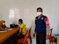 Kapolsek Padalarang Monitoring Vaksinasi Presisi di Wilayah Desa Gadobangkong