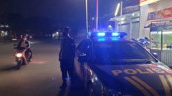 Patroli Malam Polsek Sindangkerta Ajak Masyarakat Patuhi Aturan PPKM