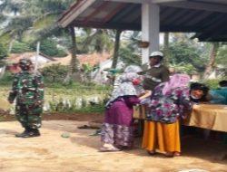 Kapolsek Cipeundeuy Pantau Langsung Gebyar Vaksinasi Covid-19 di Desa Bojong Mekar